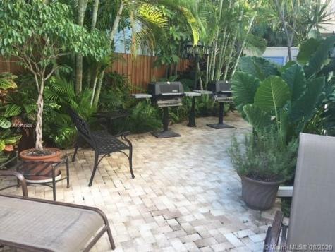 215 NE 16th Ave Fort Lauderdale FL 33301