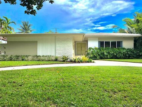 1315 Lenox Ave Miami Beach FL 33139