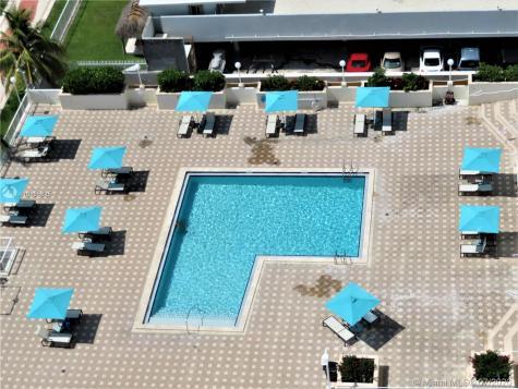 5701 Collins Ave Miami Beach FL 33140