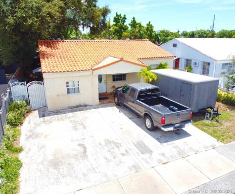 51 SW 58th Ct Miami FL 33144