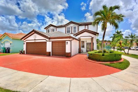 1037 NW 136th Ct Miami FL 33182