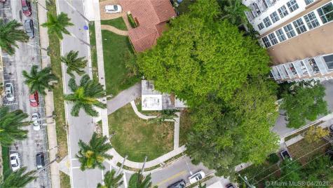 1000 NW 11th Ct Miami FL 33136