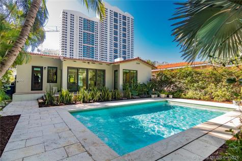 1311 14th Ter Miami Beach FL 33139