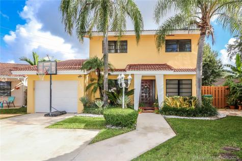 7237 SW 112th Place Cir Miami FL 33173