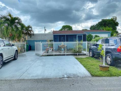 15921 NW 39th Pl Miami Gardens FL 33054