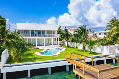 1870 Bay Dr Miami Beach FL 33141