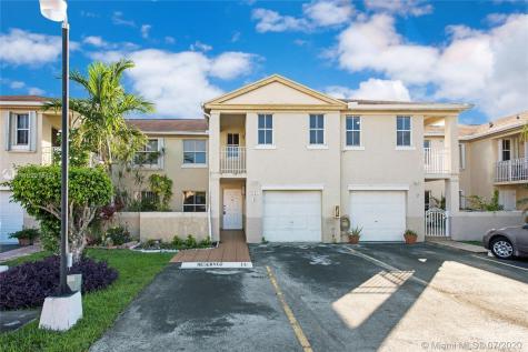 9167 Fontainebleau Blvd Miami FL 33172