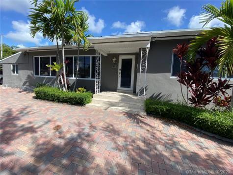 2441 NW 1st St Miami FL 33125