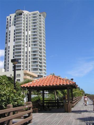 4201 Collins Ave Miami Beach FL 33140