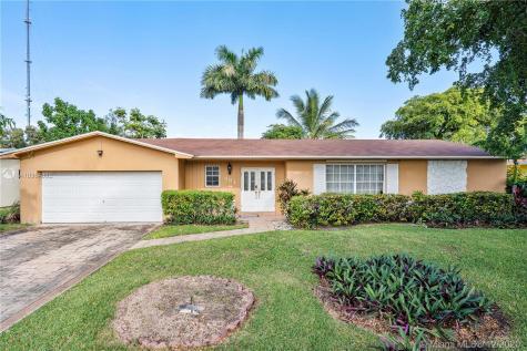 901 NW 207th St Miami Gardens FL 33169
