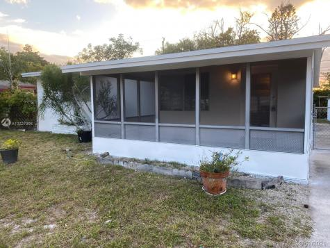 401 SW 25th Ter Fort Lauderdale FL 33312