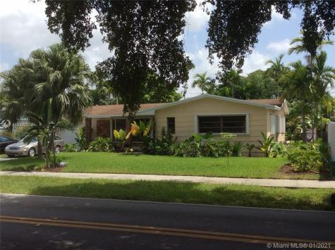 2035 SW 84th Ave Miami FL 33155