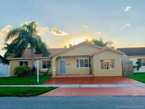 16984 SW 144th Ct Miami FL 33177