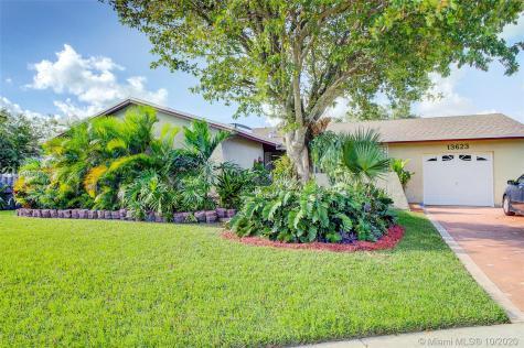 13623 SW 81st St Miami FL 33183