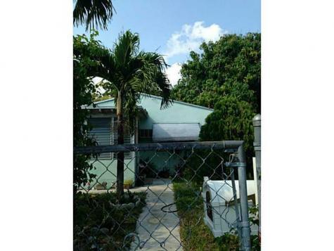 159 NW 31 St Miami FL 33127