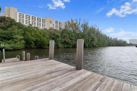 3000 Holiday Dr Fort Lauderdale FL 33316