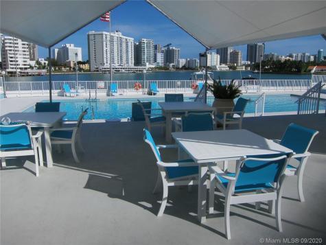 900 Bay Dr Miami Beach FL 33141