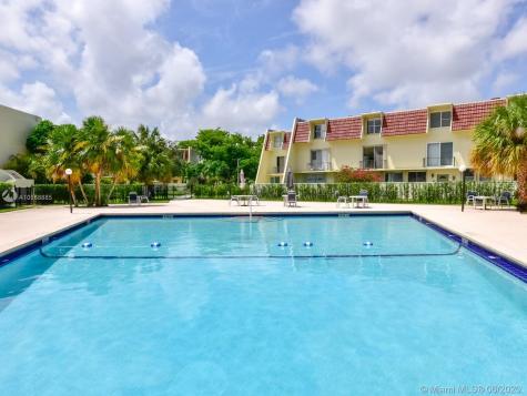1701 NE 115th St Miami FL 33181