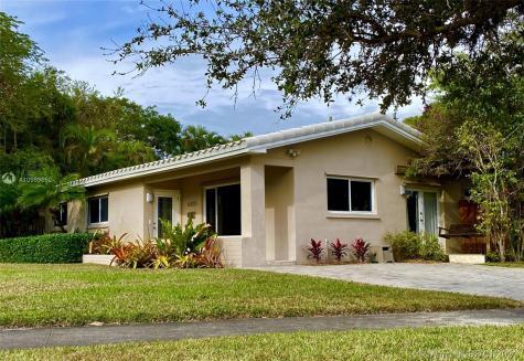 6325 SW 84th St Miami FL 33143