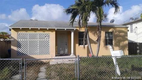 2975 SW 25th Ter Miami FL 33133