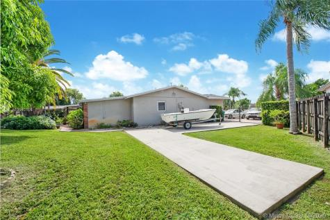 12221 SW 104th Ter Miami FL 33186
