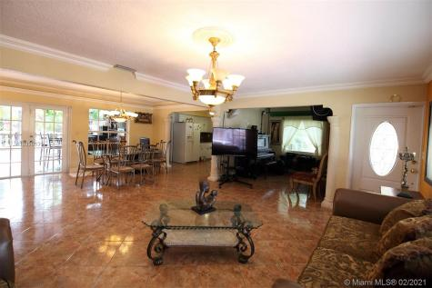 12844 SW 48th Ter Miami FL 33175