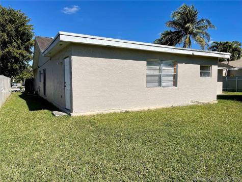 13420 SW 96th St Miami FL 33186