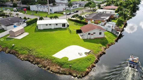 5301 SW 112th Ct Miami FL 33165
