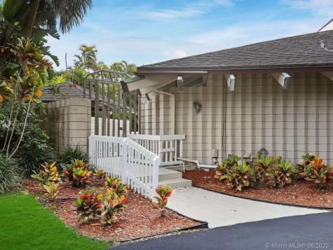 10625 SW 89th Ct Miami FL 33176